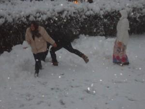 Prima bătaie cu zăpadă