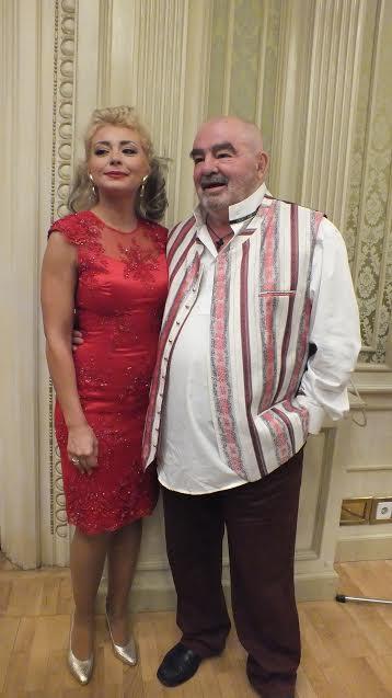 Cu frumoasa  prezentatoare Alexandra Velniciuc