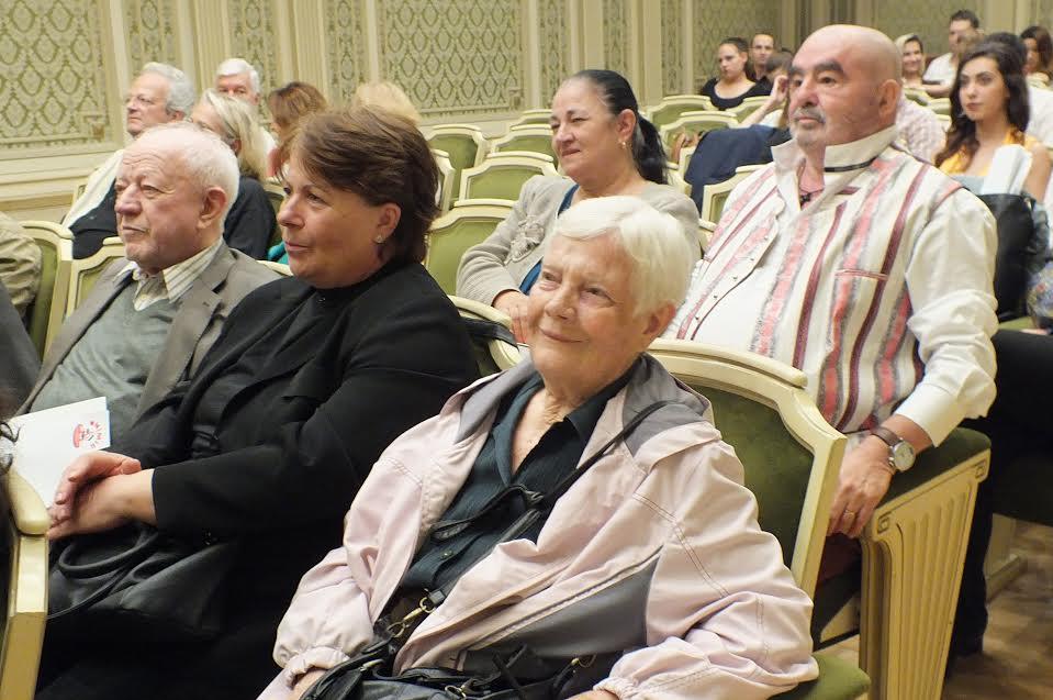Sora lui Celmare, insoțitoarea și Marele Artist. In spate GS și Lena soția sa
